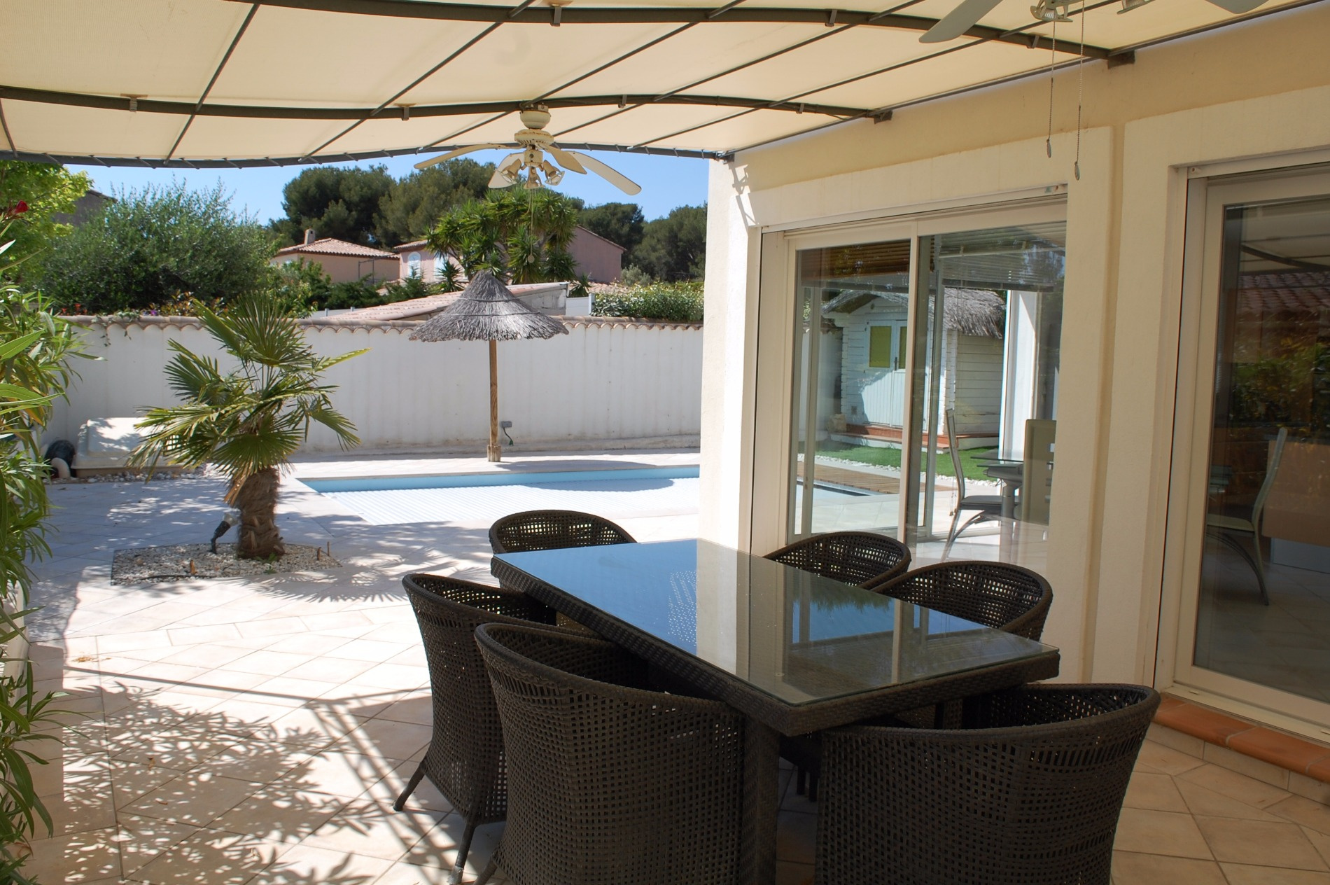vente sanary sur mer maison vue mer type 5 avec piscine. Black Bedroom Furniture Sets. Home Design Ideas